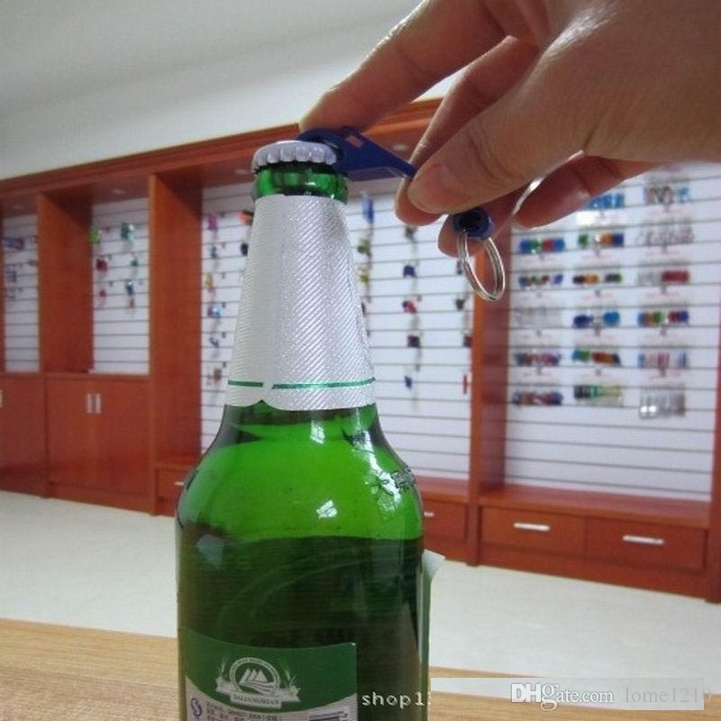 Preço de fábrica por atacado de metal abridor de garrafa de cerveja chaveiro homem moda chaveiro pingente encantos multifuncionais personalidade presente