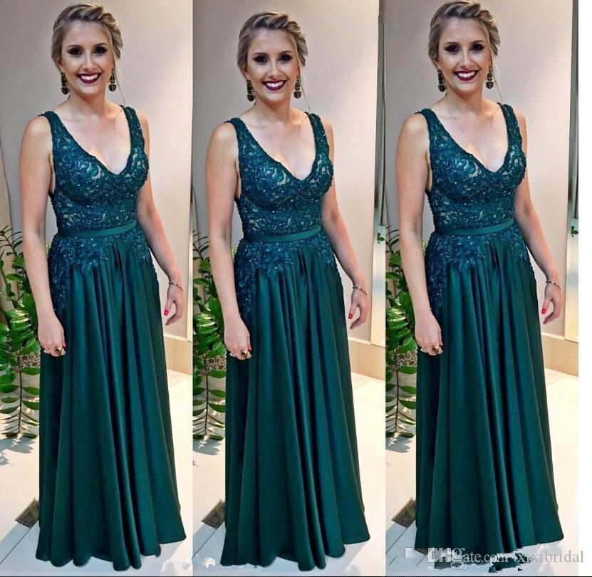 Sexy Deep V Neck Hunter Green Long Prom Dresses Lace Appliques Beaded Arabic A Line Evening Gown Plus Size Mother's Formal Wear