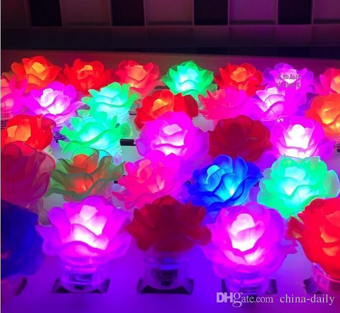Navio livre Brilho Led Light Up Piscando Rose Flor Bolha Anel Elástico Rave Festa Piscando Luzes Do Dedo Macio Para O Partido Disco KTV