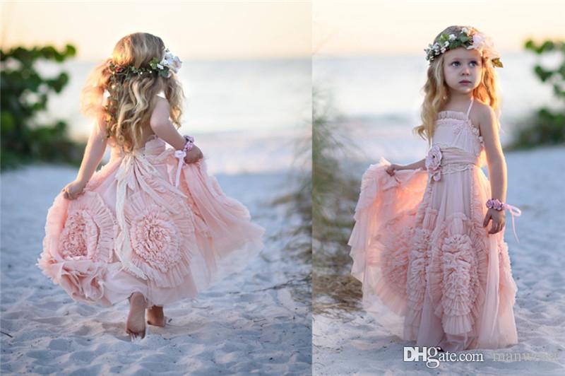 Günstige rosa Blumenmädchen Kleider Spaghetti Rüschen handgemachte Blumen Lace Tutu 2019 Vintage kleine Baby Kleider für Kommunion Boho Hochzeit