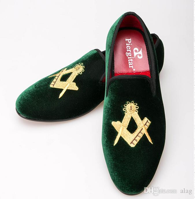 Exquisite embroidery pattern Velvet Men shoes Men Wedding and Party Loafers Men Flats Size US 6-13