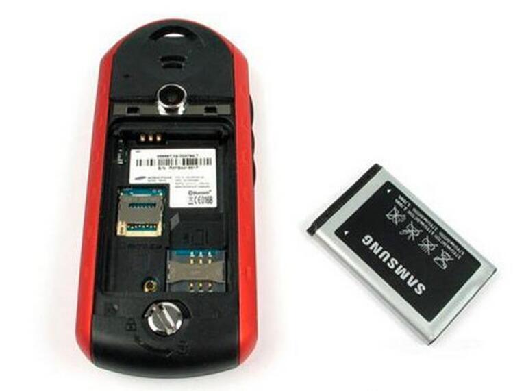 تم تجديده الأصلي سامسونج B2100 مقفلة الهاتف الخليوي 1000mAh بطارية 1.3MP 1.77 بوصة ماء 2G GSM