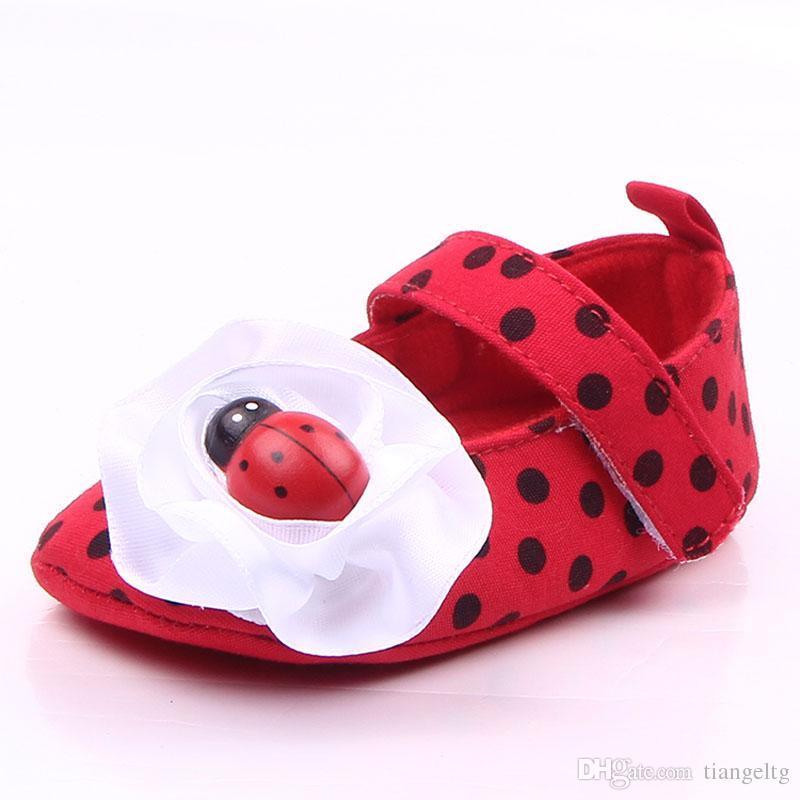 e1515f18c742e Acheter Nouveau Mignon Bébé Fille Chaussures Rouge Coton Tissu Belle  Coccinelle Grand Bowknot Semelle Souple Avec Imprimé Papillon Anti Dérapant  Robe ...