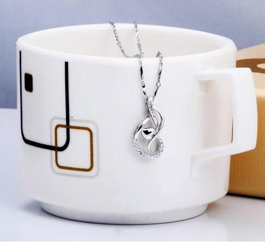 Aşk Dans Kolye Beyaz Altın Kaplama 925 Ayar Gümüş Kolye Kolye Kalp Kolye Mücevherat Yok Zincir