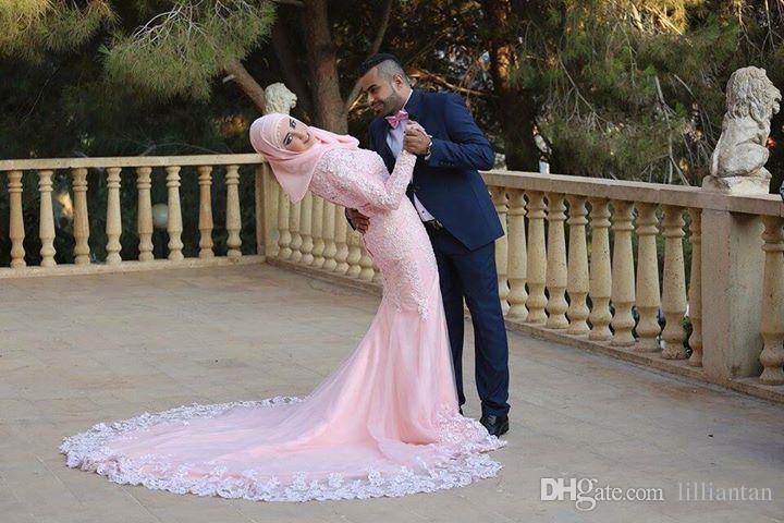 Manches longues Arabe Dubai Blush Robes De Mariée avec Hijab Dentelle Applique Musulman Islamique Rose Robes De Mariée Modest Robe De Mariée Robe Robes