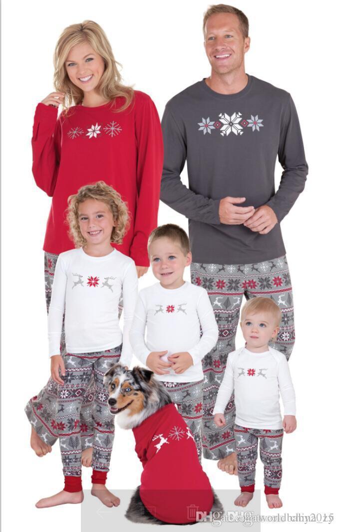 1ff136994245 Family Christmas Pajamas 2017 Christmas Snowflake Print Family Matching  Outfits Fashion Patchwork Long Sleeve Family Look Family Christmas Pajamas  Family ...