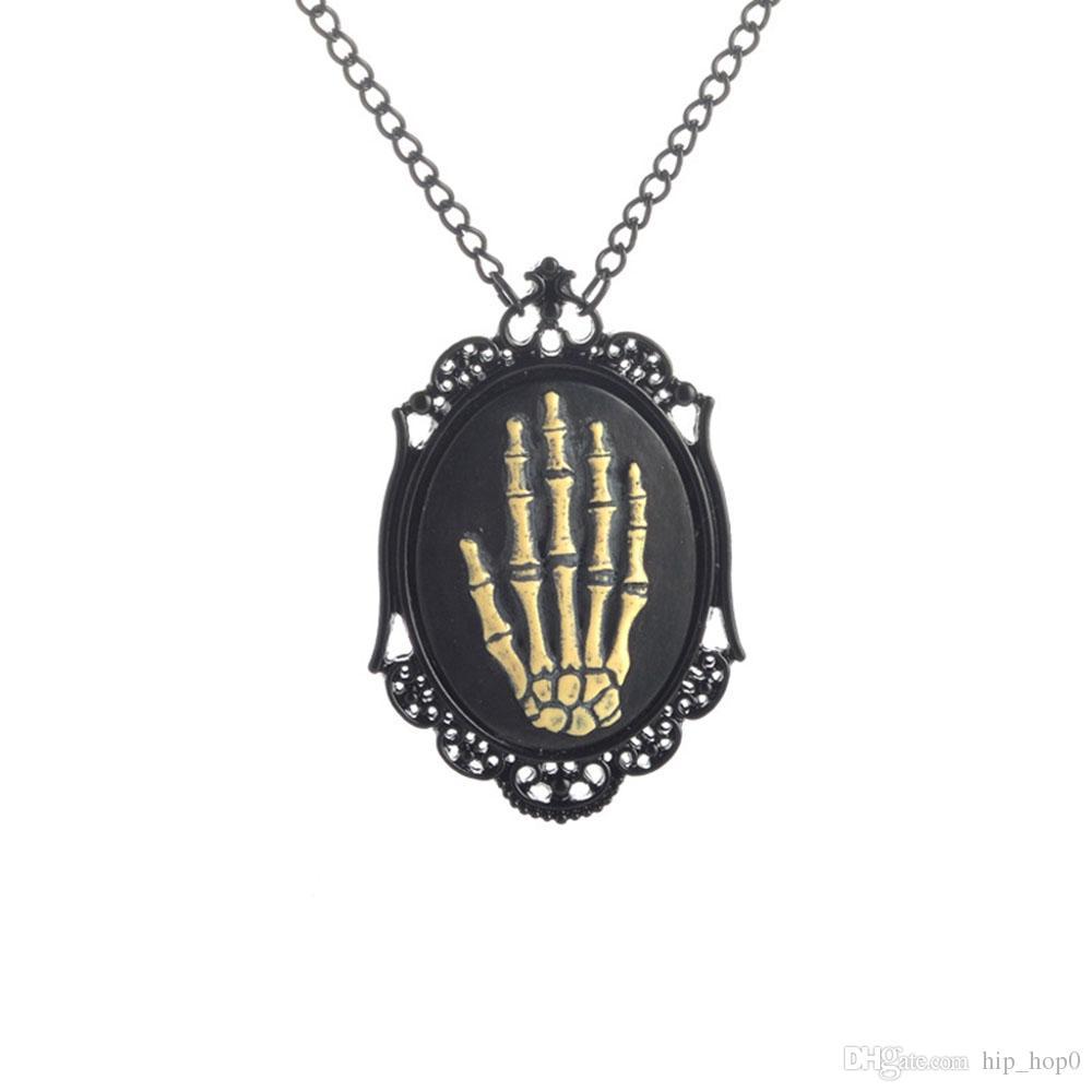 Meccanico nero telaio scheletro mano collana Vintage Steampunk collana pistola gioielli neri accessori donna regali ragazza