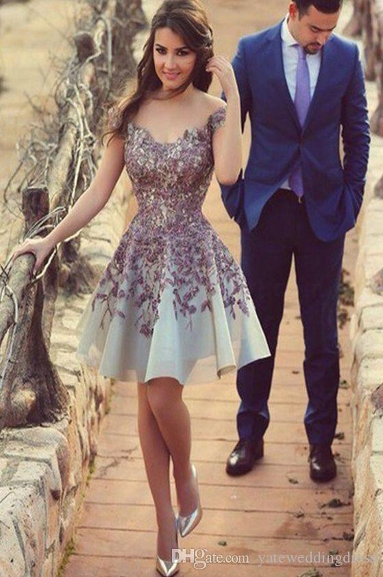 Beautiful Sweety Homecoming Dresses Off Shoulder With Applique Prom Dresses Back Zipper Knee-Length Custom Made Cocktail Gowns New Arrival