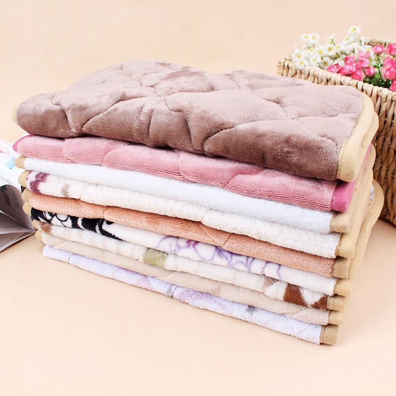 Coral Fleece Warm Printed Dog Soft Blankets Multi Color Small Medium Large Pets Throws