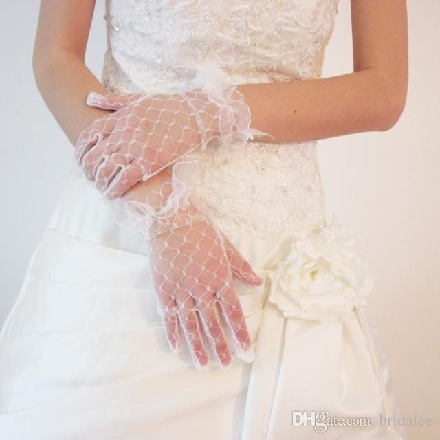 Alta qualità Nuovo 2016 Fiori Guanti da sposa bianchi Guanti da sposa in pizzo dito Instock