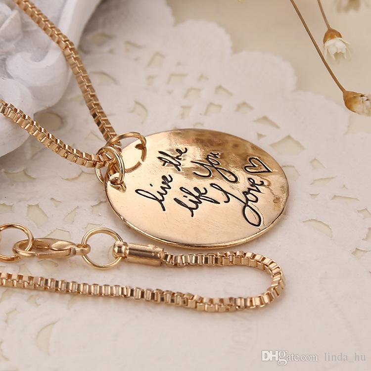 유럽과 미국의 보석 원형 편지 태그는 사랑하는 마음을 사랑하는 삶을 사는 펜던트 목걸이 여성 쥬얼리