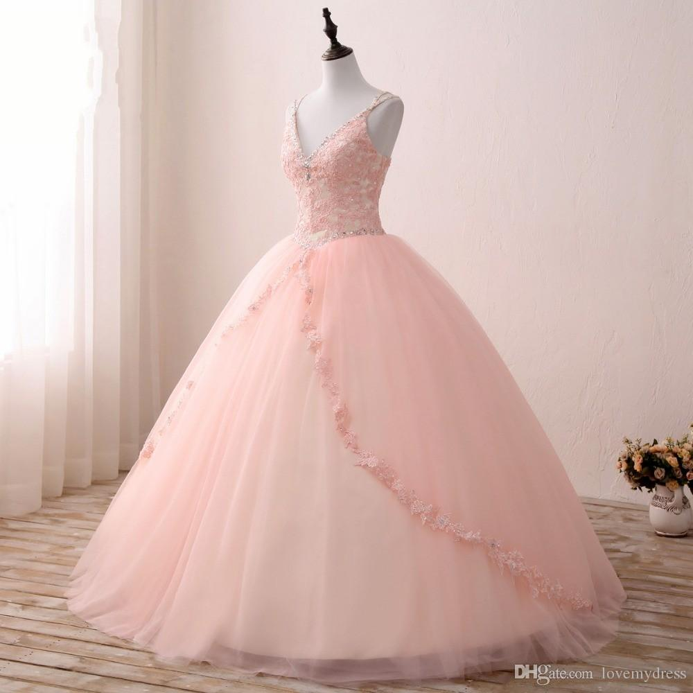 2021 V-hals Blush Applique Kant met Champagne Satin Quinceanera Jurk Baljurken Prom met riemen Beaded Corset Back Sweet 15 Girls Party