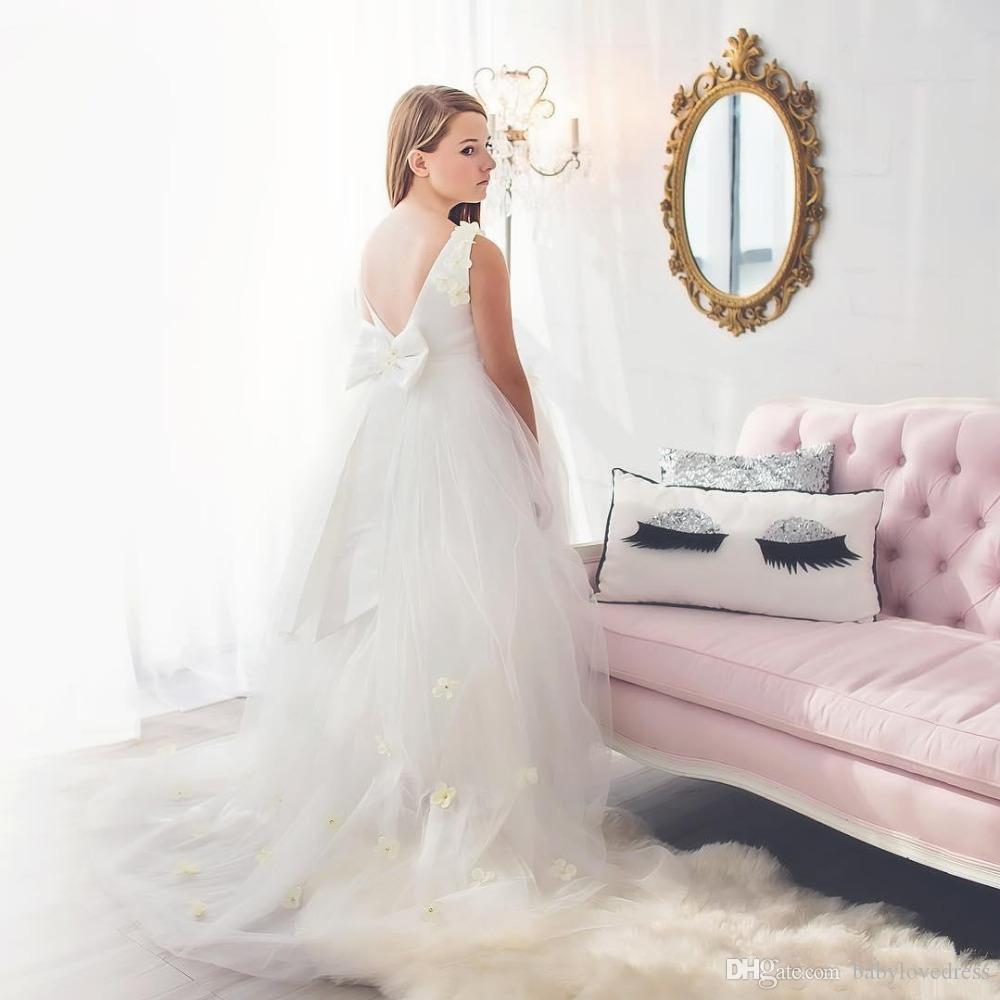 Lange Sweep Tüll Mädchen Brautkleider mit Bogen handgefertigten Blumen Mieder v rückenfreie Blumenmädchen Kleid