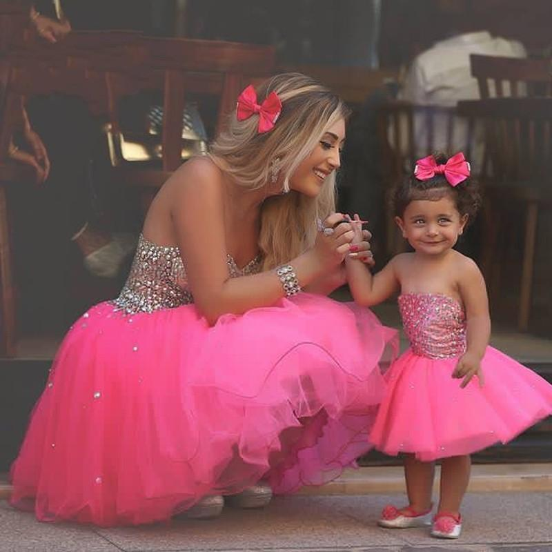 Cute Flower Girl Dresses Hot Fuchsia Short Mom-Child Gowns Strapless with Beads Tiers Tulle Mini Ball Gowns Baby Birthday Party Wear