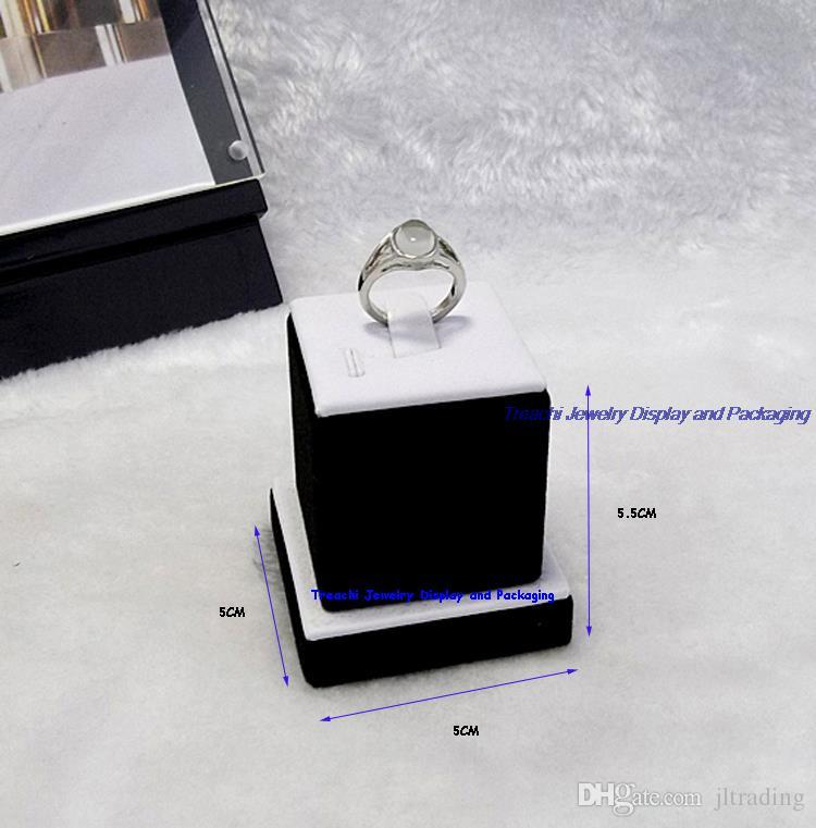 New Creative Wholesale White PU Lover's Ring Holders Jewelry Display Showcase for Decorative Closet Valentines' Day