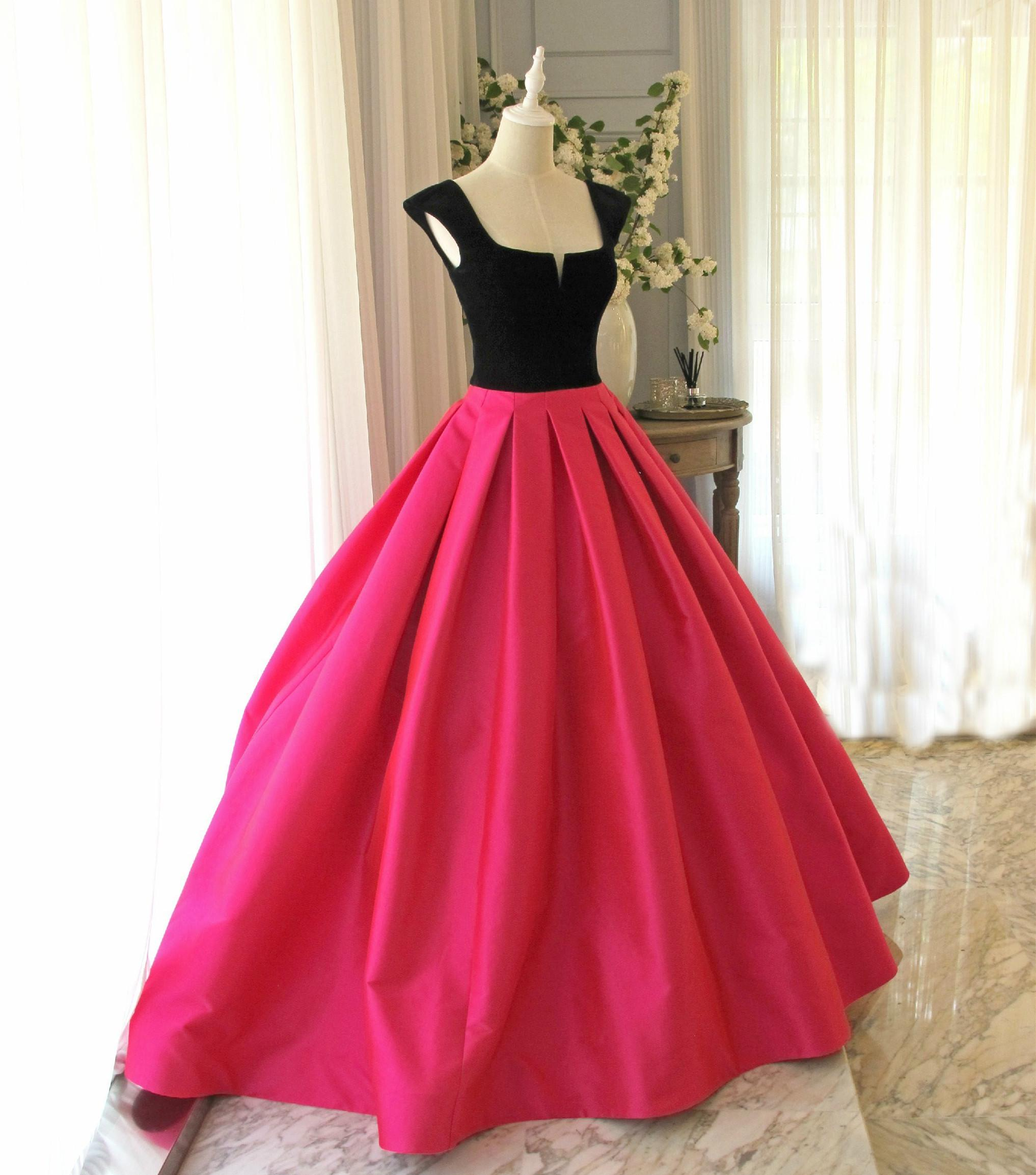 Hot Pink And Black Plain Gown Medieval Dress Long Gown Princess ...