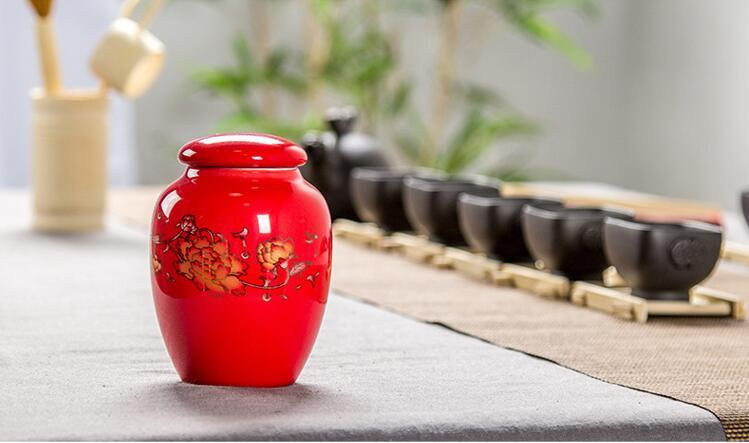 factory outlet jingdezhen porcelain mini zhenshanxiaozhong black tea tins red oolong or puer tea storage cans T316