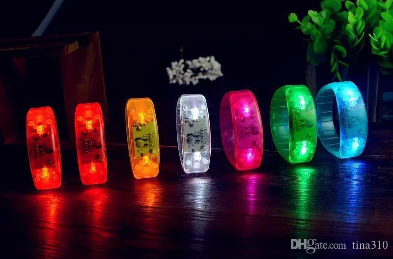 Controlado por som LED Light Up Pulseira Ativado Brilho Flash pulseira Brilho Pulseiras LED Faixa de Pulso de Natal IC697