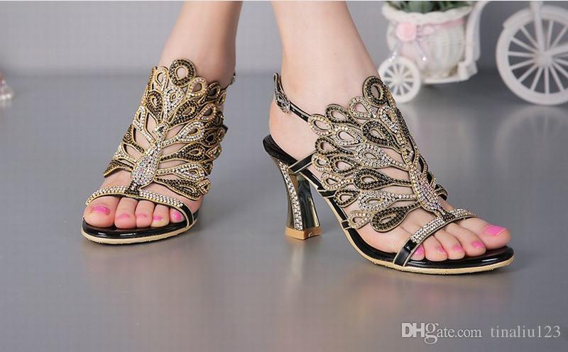 Nouveau mode cristal paon strass épais talons hauts gladiateur sandales bout ouvert boucle d'été pompes femmes chaussures plus la taille 34-44