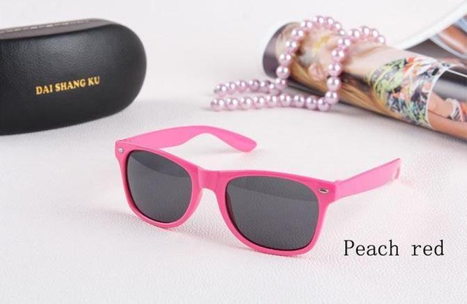 2017-500 قطع-17 أنواع من الألوان إمرأة والرجال رخيصة الحديثة الشاطئ نظارات شمسية الساخن بيع النظارات الشمسية النظارات الكلاسيكية BO9804 مجانا إرسال دي إتش إل