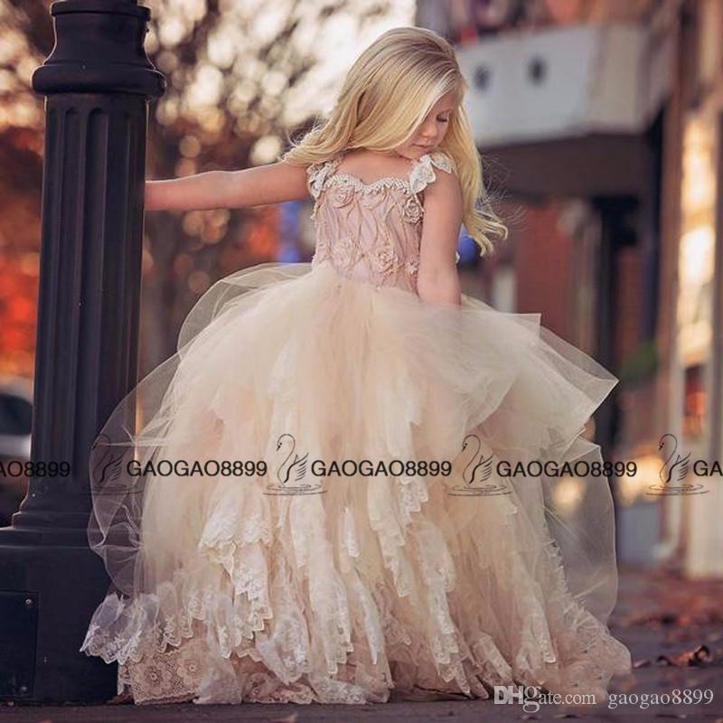 2019 vintage gothic Beach Flower Girl Dresses For Weddings Lace Applique Ruffles Little Girl Pageant Dress Pearls Girls Birthday Gown