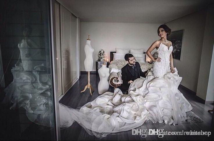 Venta caliente Fotos reales Sirena Vestidos de novia con cuello en V Encaje lleno Cascada Ruffles 2020 Vestidos de novia de verano para la fiesta de bodas de la iglesia