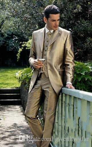 Custom Made Satin Trois Boutons Marié Tuxedos Meilleur Homme Encoche Revers Groomsmen Hommes Costumes De Mariage Marié Veste + Pantalon + Gilet