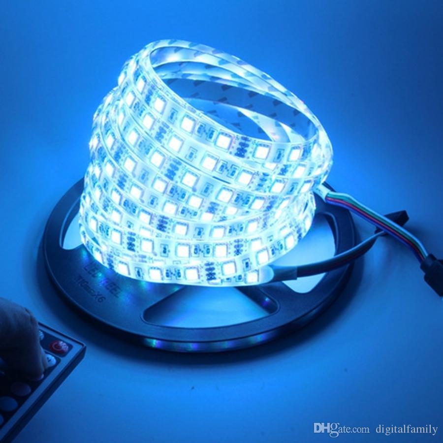 Striscia LED RGB 5050 5M strisce LED regalo di Natale Impermeabile con 44 tasti telecomando IR + alimentatore DC12V 5A in scatola al minuto
