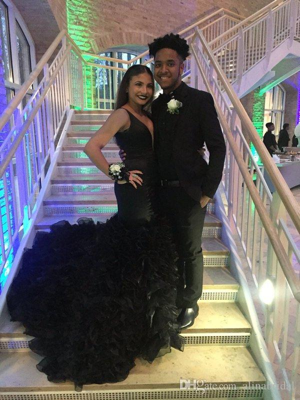 2016 Splendid schwarze Nixe-Abschlussball-Kleid Sexy V-Ausschnitt zurück Zipper Cascading Rüschen Maß African Black Silm Frauen formale Abendkleider