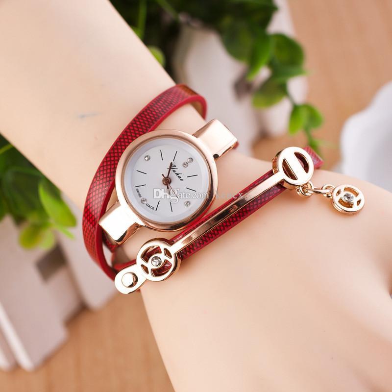 nuovo orologio da polso femminile Moda orologio al quarzo in pelle Layer avvolgimento ornamenti squisiti Orologio casual da donna di alta qualità