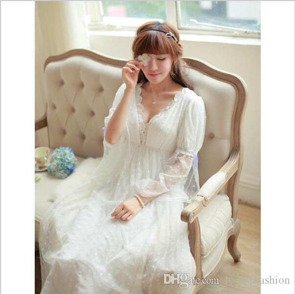 Noble Sleepwear Lace Dress Gown Elegant Nightgown Princess Dress Dress  Vintage Lace Gown Bride Bridesmaid Nightgow High Quality UK 2019 From  Ly topfashion 7629e8ae3