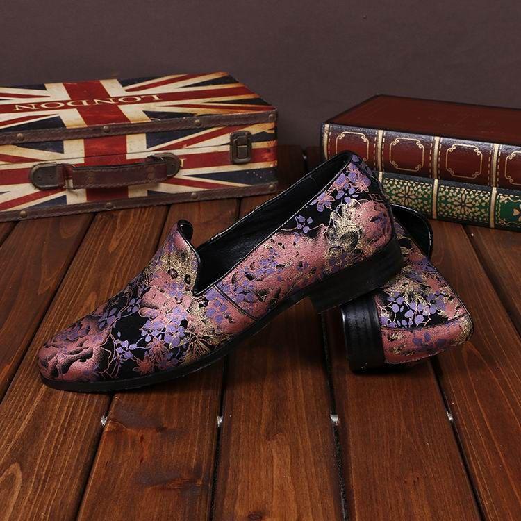 럭셔리 Mens 레저 가죽 신발 패션 디자이너 로즈 플로랄 패턴 슬립 보트 신발에 38-46 망