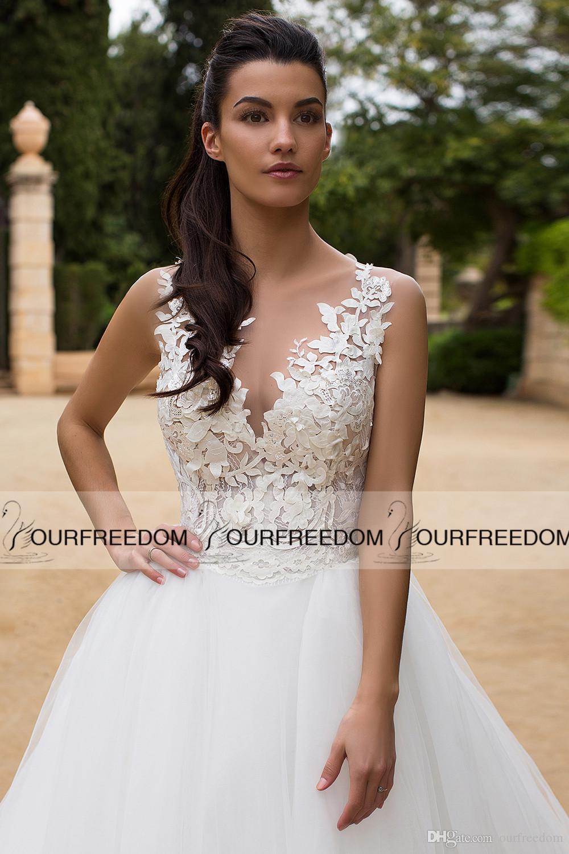 2020 Botão Jewel Sheer Neck Vestidos A Linha do casamento Back Cover Tribunal nupcial Train Vestido de Country Style Cheap Boho Vestido de Noiva Hot