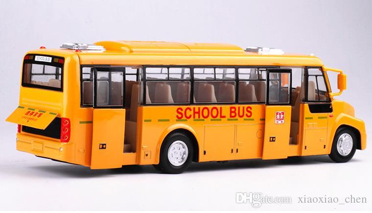 Live voice high simulation school bus, 1:32 alloy pull back school bus model toys diecasting metal model 2open doors&light children's gifts