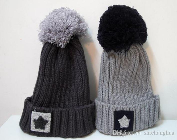 Faux Raccoon Fur Ball Cap Poms Cappello invernale per le donne Ragazze Cappello di lana lavorato a maglia Slouch Elastico berretti Cap Spessa inverno femminile Cap Hot