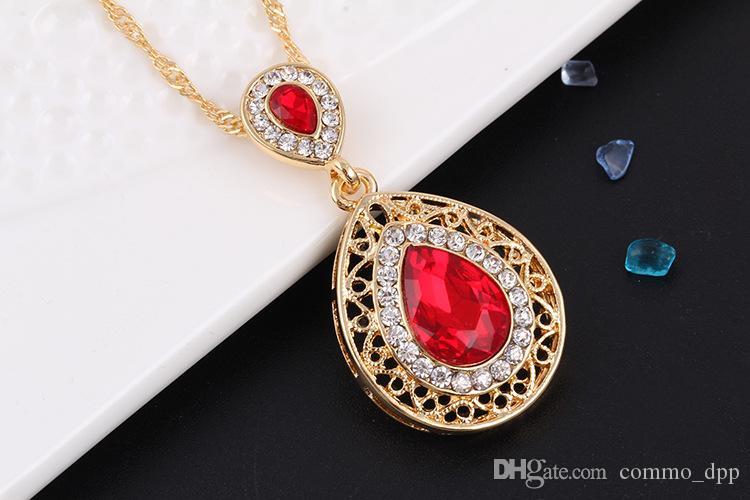 Moda Bridal Bridal Capelli Accessori le donne Stud Orecchini Collana Set di orecchini di cristallo Goccia Goccia gioielli pendente