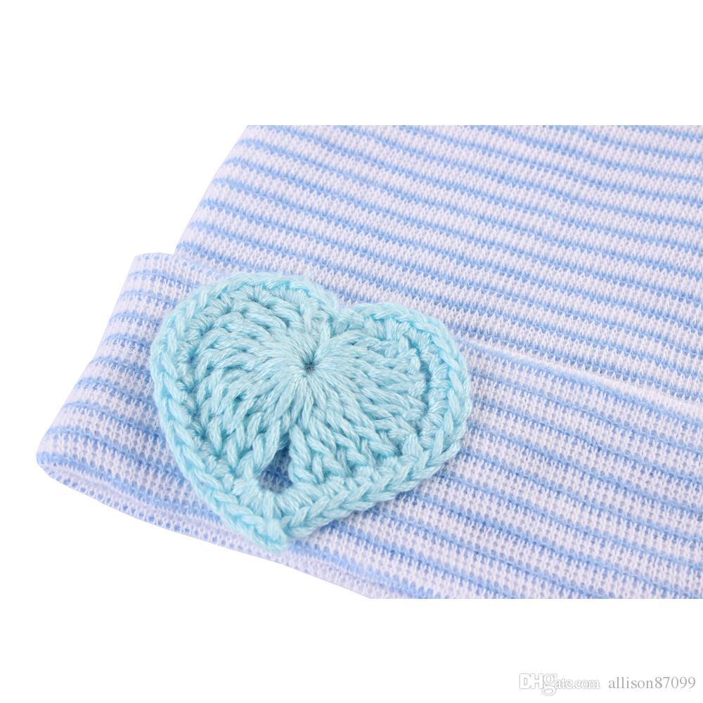Sombrero recién nacido Gorros Sombreros de punto de bebé de dulce corazón Maternidad 2018 Gorro de punto cálido de algodón de primavera de otoño Otoño europeo al por mayor 0-3 meses