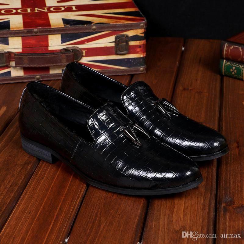 Vente Chaude De Luxe Hommes Noir Robe Habillée Chaussures De Mode Business Loisirs En Cuir Slip Sur Chaussures Plates Pour Hommes Bureau Carrière Bateau Chaussures