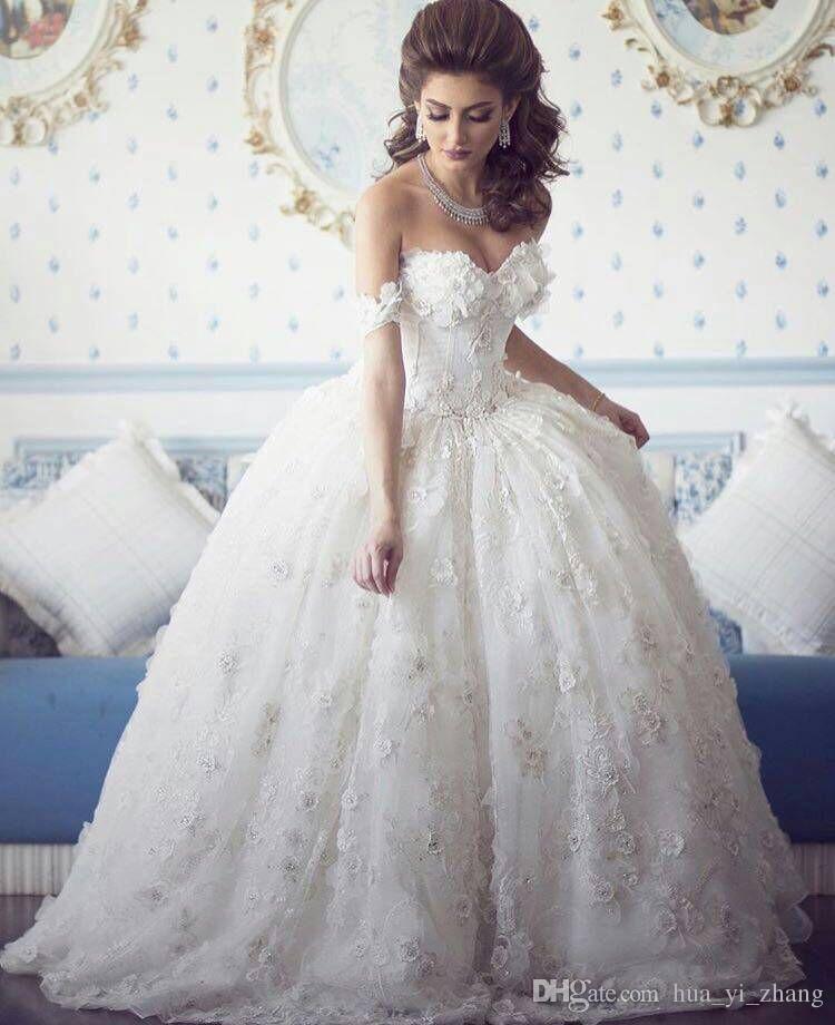 Ballkleid Spitze Brautkleider 2016 vestidos de novia Geraffte Tüll ohne Knochen Mieder mit 3D Blumenapplikationen verziert Sweep Zug Brautkleider