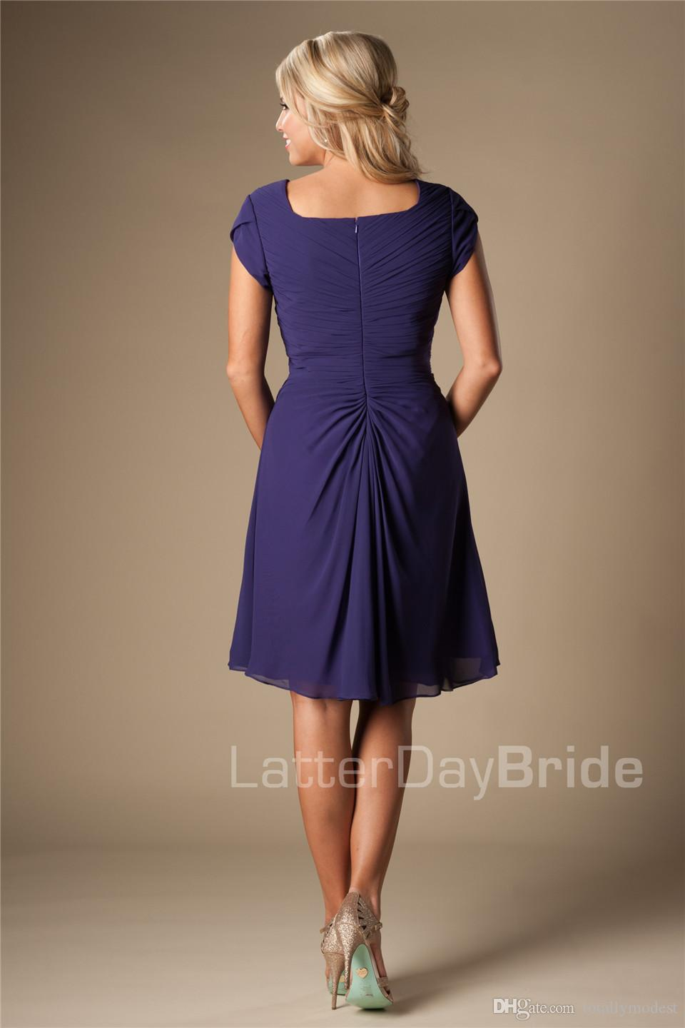 Purple Chiffon Beach Short Modest Bridesmaid Dresses With Short Sleeves A-line Ruched Maids of Honor Dresses Knee Length Wedding Party Dress