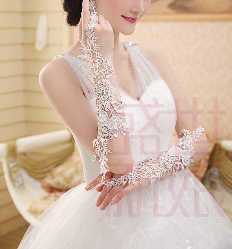 Maravilhoso Luxo Marfim Cotovelo Comprimento Fingerless Lace Appliqued Luvas De Noiva Longo Luvas De Casamento Com Cristais