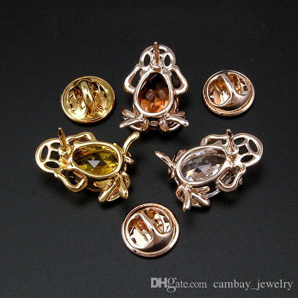 Gland De Mode 18K Plaqué Or Broches Cristaux Décoré Lucky Frog avec Coin Broche Femmes Parti Décoration Pins Bijoux