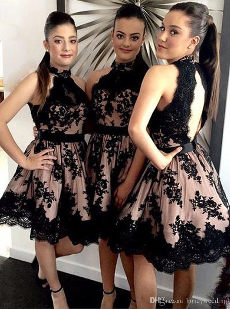 Erstaunliche Kurze Strand Brautjungfernkleider 2017 High Neck Schwarz Spitze Appliques Keyhole Backless Mini Brautjungfern Hochzeit Kleid Billig