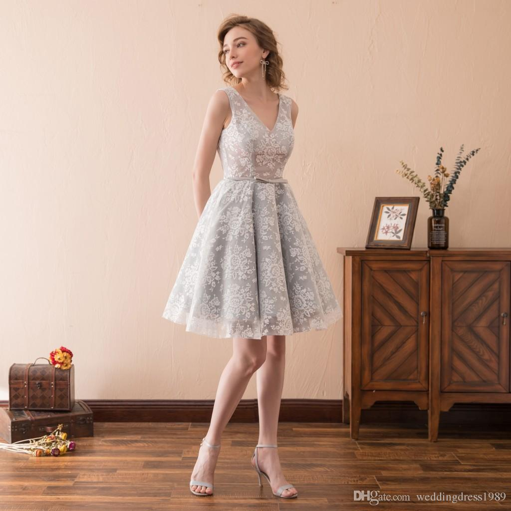 Beautiful Light Grey Lace Short Prom Dresses Gowns Club Wear Homecoming Knee Length V-Neck Stock 2-16 Tulle A-Line Party Dress Formal Ball