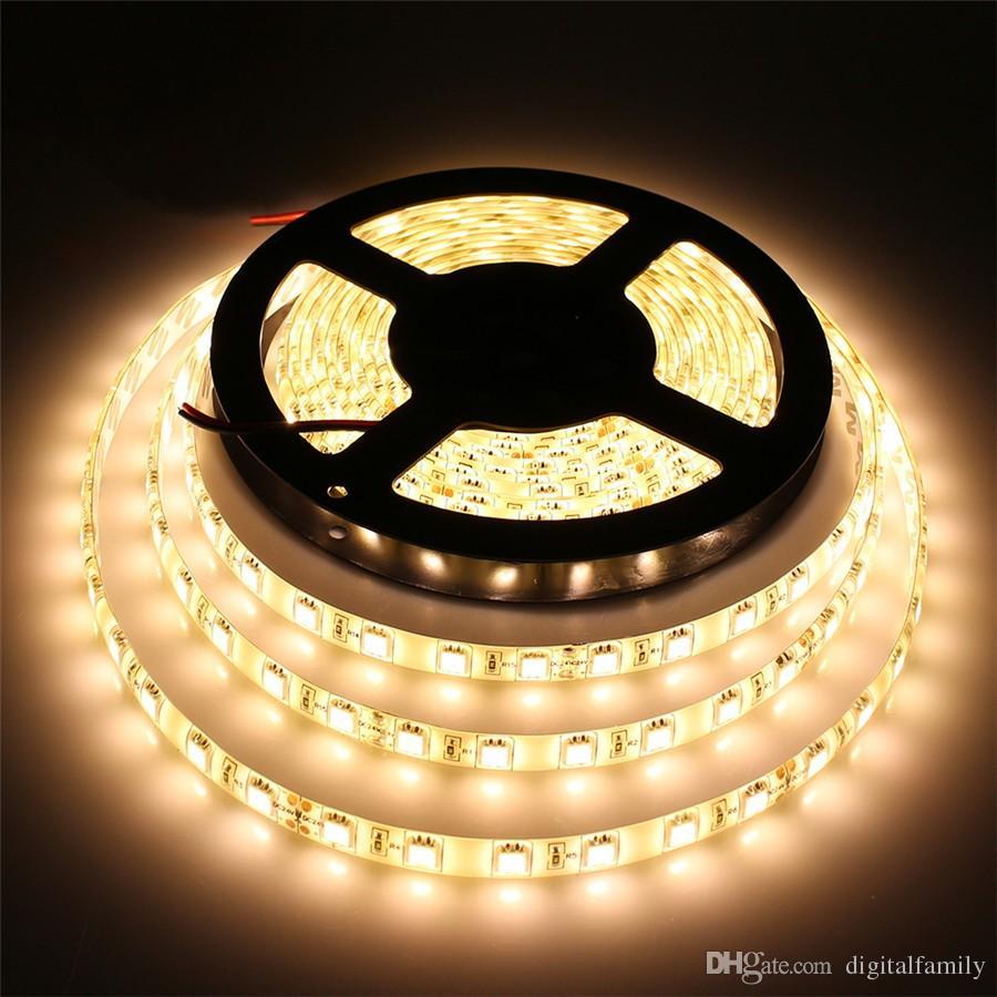 Striscia LED RGB 5M 5050SMD Striscia flessibile LED impermeabile DC12V Luce flessibile LED IP65 multicolore con 44 tasti Telecomando IR