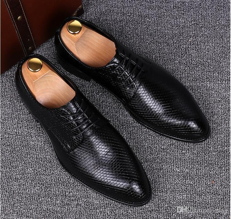 Crocodilo de alta Qualidade de Couro Homens Flats Sapatos Brogues, Lace-Up Bullock Homens De Negócios Oxfords Sapatos Masculinos Vestido Sapatos NXX461