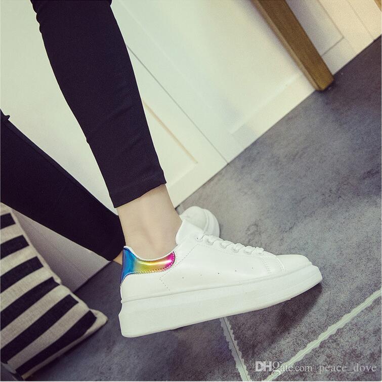 Zapatos transpirables de mujer de otoño Zapatos casuales de deporte con cordones Zapatos Cortez Zapatos de señora White Running Brand Sneakers Platform Flats