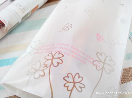Le nuove piccole lettere bianche di DIY / aprono i sacchetti superiori dello spuntino / sacchetto adorabile 12 * 19cm del regalo del biscotto del pane dei biscotti