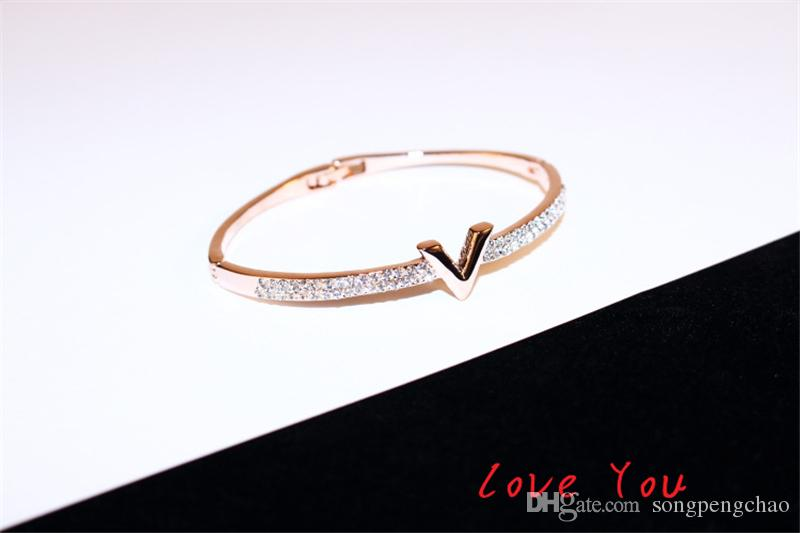 European Brand Letter V Bangle Bracelet Luxury Zircon Charms Bangles for Women Party Fine Jewelry Costume Accessories