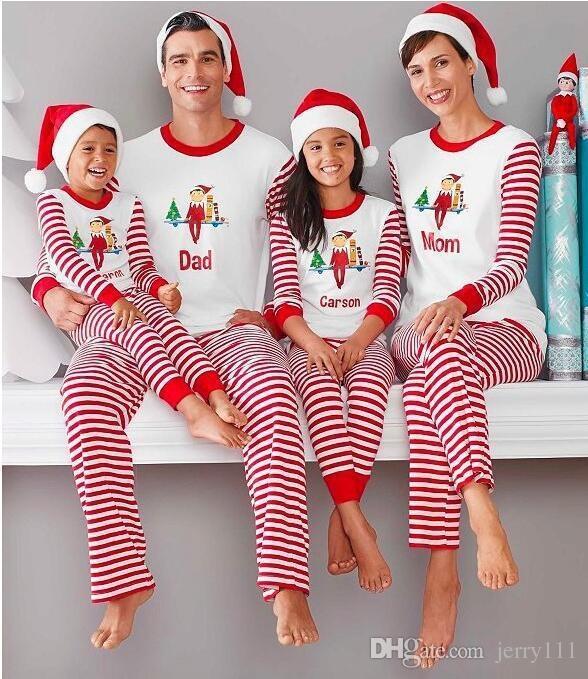 ac30ae90cc Compre Navidad Conjuntos De Ropa A Juego De La Familia Pijamas Ropa Madre  Hija Padre Hijo Ropa Pijamas De Navidad Ropa De Familia Conjuntos LA539 2 A   30.73 ...